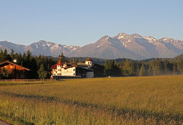 Karwendel (Leutaschtal am frühen Morgen)
