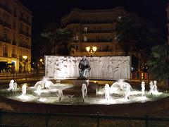 Valencia: fuente monumento al maestro Serrano