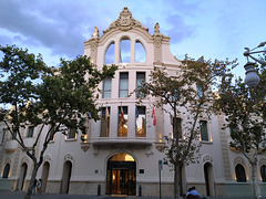 Valencia: antiguo edificio de La Tabacalera