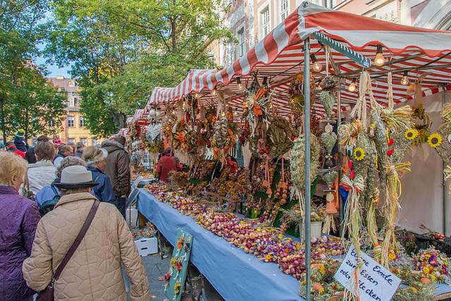 Marktstand auf dem Zwiebelmarkt