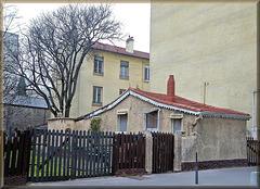 """Lyon (69) 2 mars 2011. """"La Petite Maison dans la...Grande Ville""""!"""