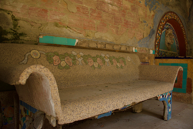 the decorated bench