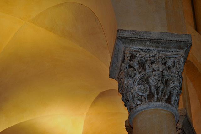 Chapiteau de la Basilique N.D. du Port à Clermont-Ferrand