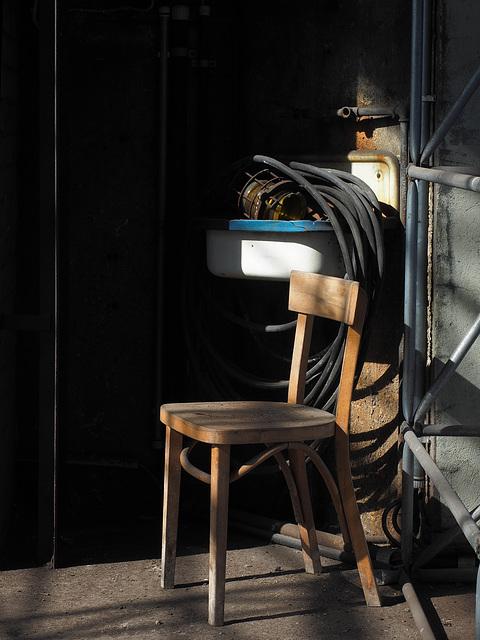 ein Stuhl wartet
