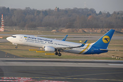 UR-PSN B737-800 Ukraine International