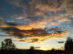 Nubes del alba, 2