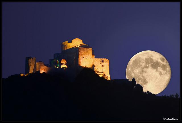 La Sacra e la Luna