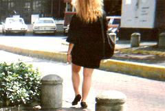 Une sexy blonde vénézualienne passait par là.....