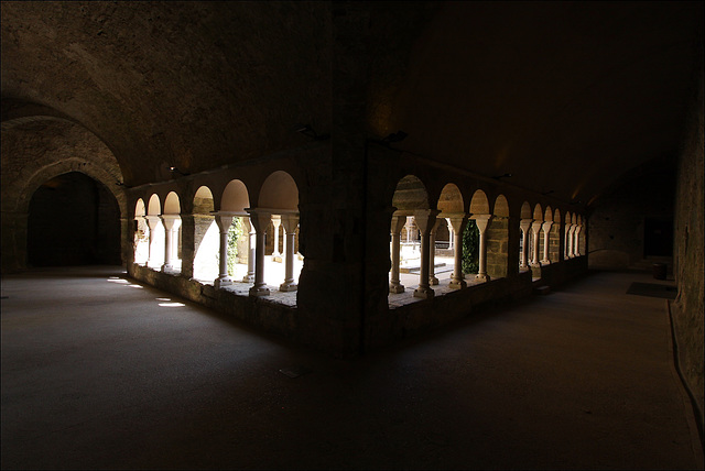 Cloître supérieur de St Pere de Rodes