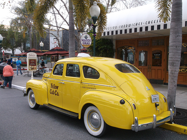 Taxi jaune et mardi gras