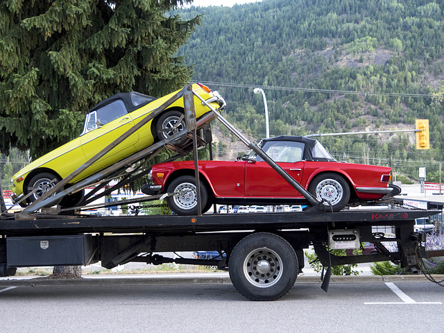 Vintage Cars in Tow 02