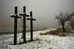 Einsame Kreuze im Schneeregen - Lonely crosses in snowy rain