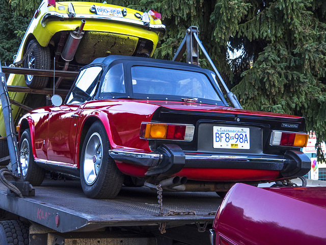 Vintage Cars in Tow 04 - Triumph TR6