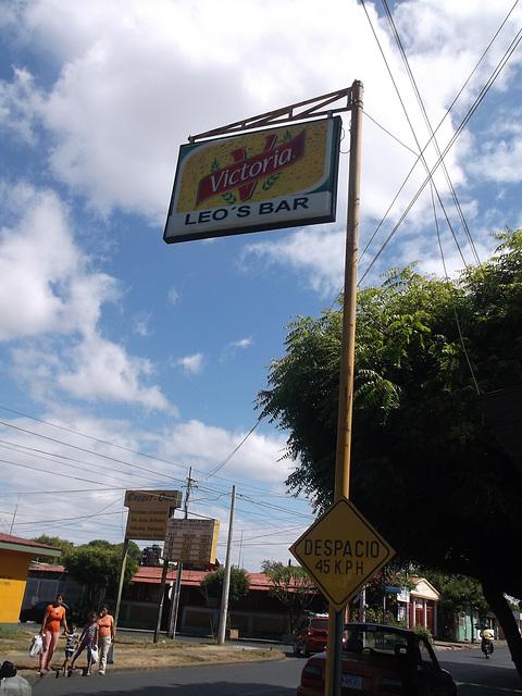 Leo's bar