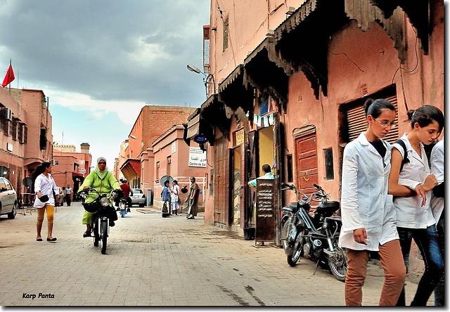 """""""Dans les rues de Marrakech"""""""