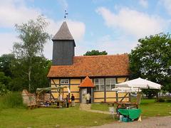 Klempenow, Burgkapelle und Dorfkirche
