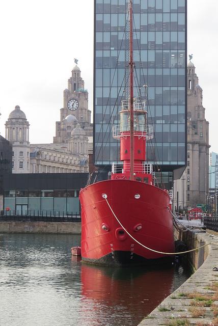 liverpool docks lightship