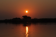 Sunsubiro. Lasta vespero en Okavango-Delto