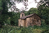Vieille chapelle restante d'un village abandonné