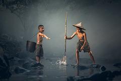 Jeux d'enfants en rivière