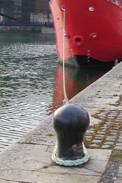 liverpool docks lightship