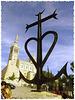 Notre Dame de la Garde, protectrice de la cité Phocéenne, avec en premier plan, la croix de Camargue !