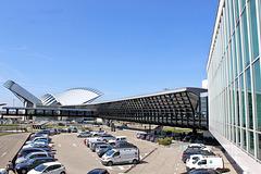 Lyon Saint-Exupéry (69) 8 avril 2015. Au fond, la gare.