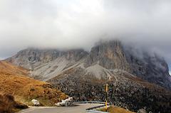 Frühnebel über den Dolomiten