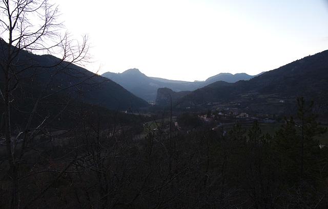 Vallée de Castellane, montée vers Peillon tombée de la nuit