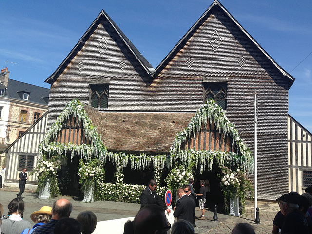 Big wedding day in Honfleur.  An orchestra could be heard playing the wedding march.