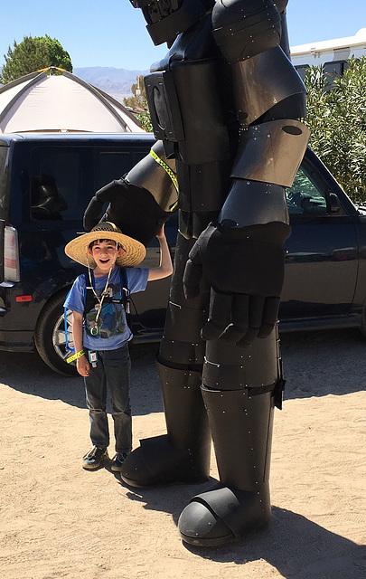 Kid and Robot (0448)