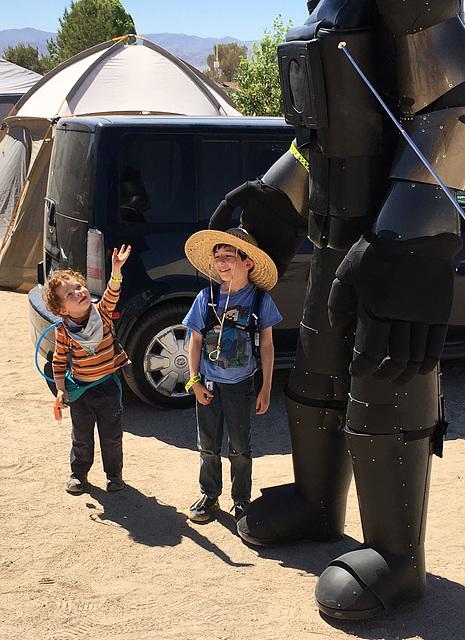 Kids and Robot (0449)