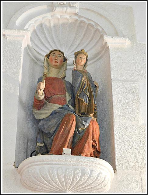 Statue dans la chapelle sainte Catherine à Dinan (22)