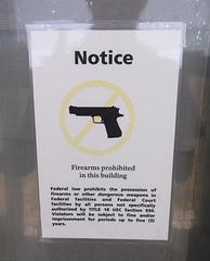 No firearms .......On aura tout vu !