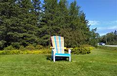 Gigantic chair / Chaise géante