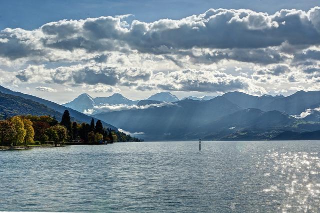 Au fond Eiger, Mönch et Jungfrau