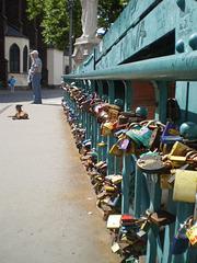 High density of lockets.
