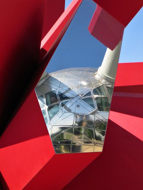 Atomium - reflection.