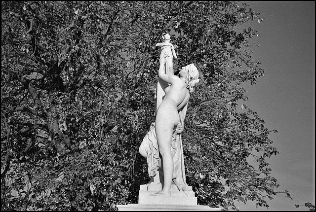 Statue, Tuillerie