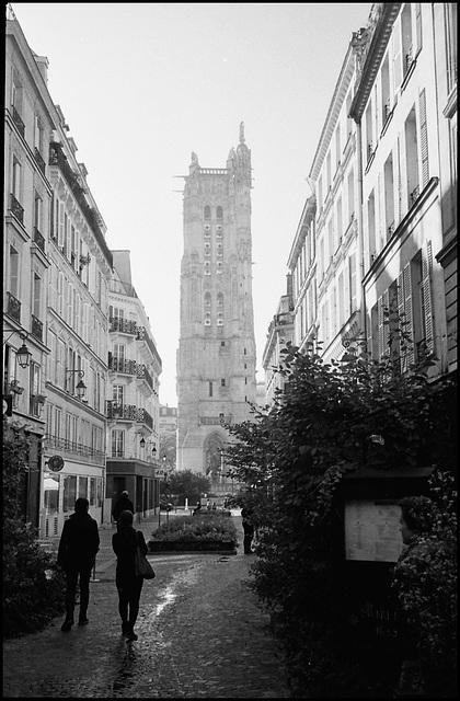 Tour Saint Jacques.