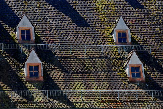 Schatten auf dem Dach