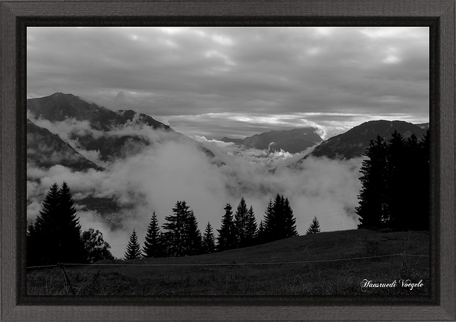 Nebel über dem Domleschg Kt Graubünden