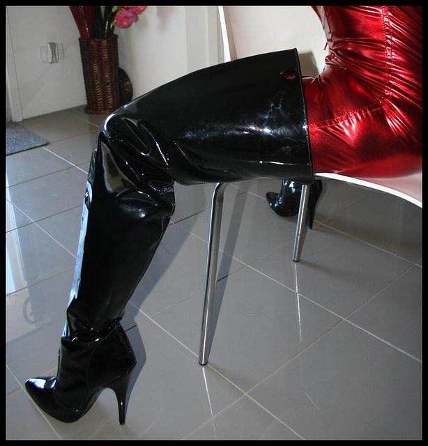Jan / Thigh Boots close-up - Cuissardes émoustillantes !