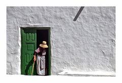 Una mujer en Yaiza