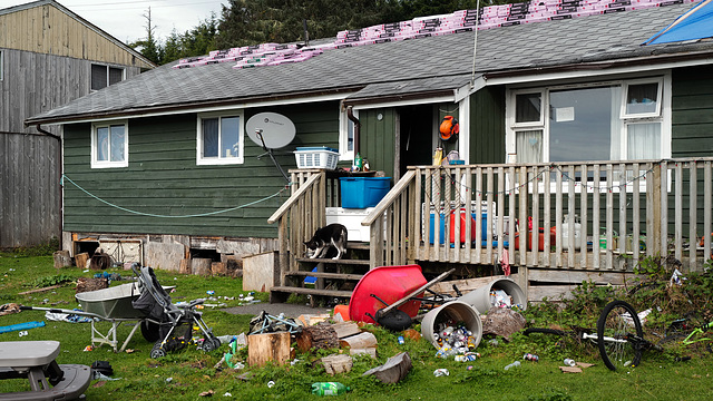 Opitsaht Reserve, Canada... trash...