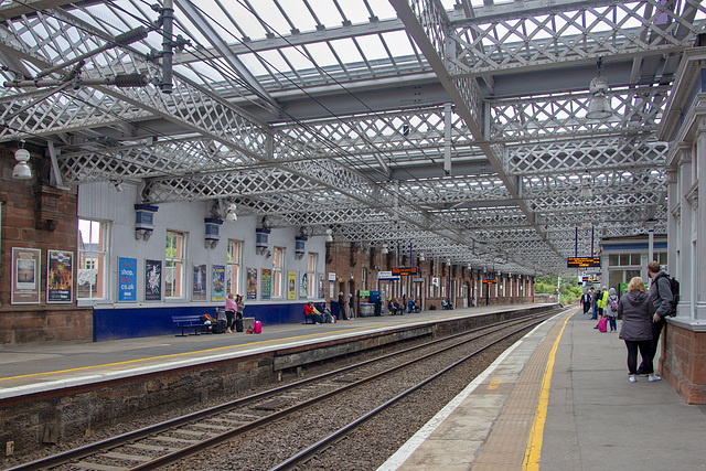 Paisley Gilmour Street Station, Platforms 3 and 4