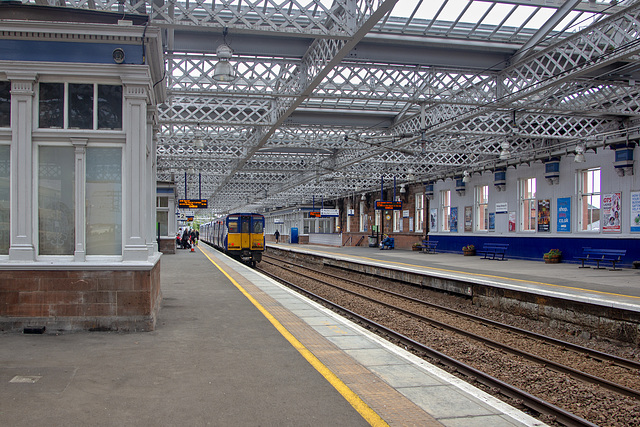 Paisley Gilmour Street Station, Platforms 1 and 2