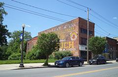 Tobacco facade / Façade de tabac