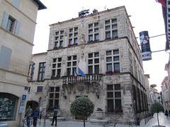 Hôtel de ville de Tarascon, Département (No. 13) Bouches-du-Rhône