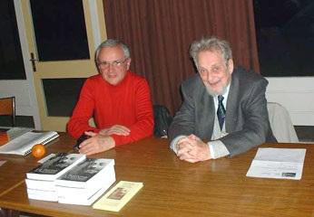 Georges Kersaudy et Henri Masson (à gauche), à Vigy lors du congrès de SAT-Amikaro en 2002
